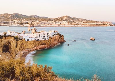 Sa Peña y Marina Botafoch al fondo Ibiza ciudad